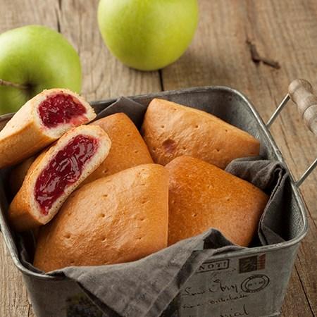 Пирожок домашний с яблочно-брусничной начинкой